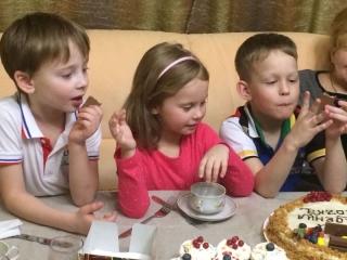 Торт Наполеон и Капкейки на День Рождение Ромы