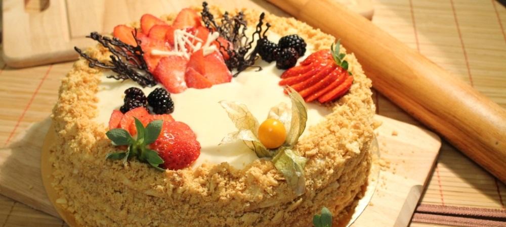 Домашний Торт Наполеон с ягодами